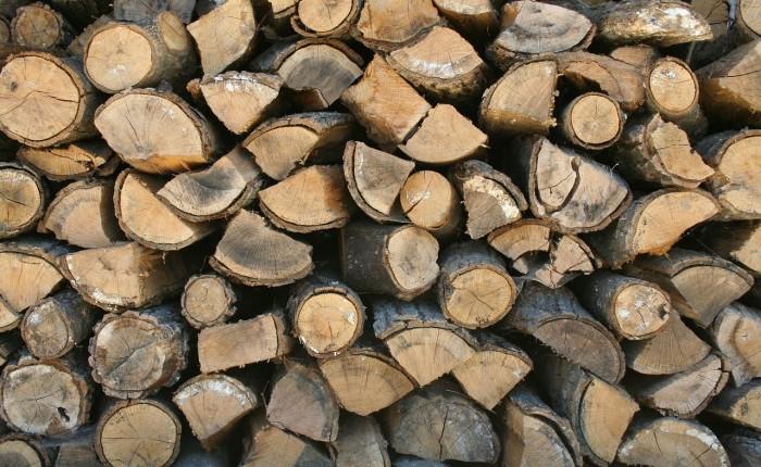 firewood-599141_1280